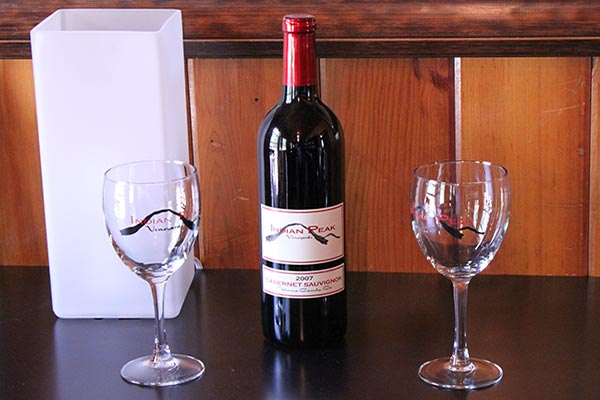 Graeagle-Wine-Tasting-Room-Indian-Peak-Vineyards-2007-Cabernet-Sauvignon-Bottle-01