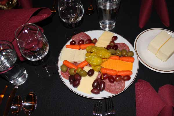 IPV-Manton-Wine-Tasting-Room-Cheese-Peppers-and-Salami-with-the-Wine